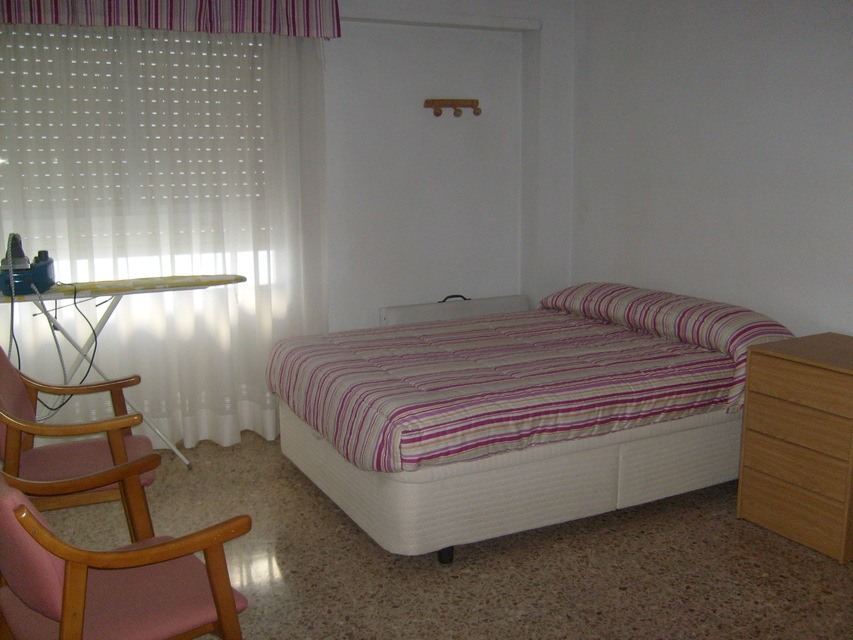 Se vende piso acogedor con balcones en la Zona Alta-habitacion 2
