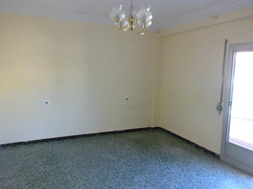 Se vende piso acogedor con balcones en la Zona Alta-habitacion