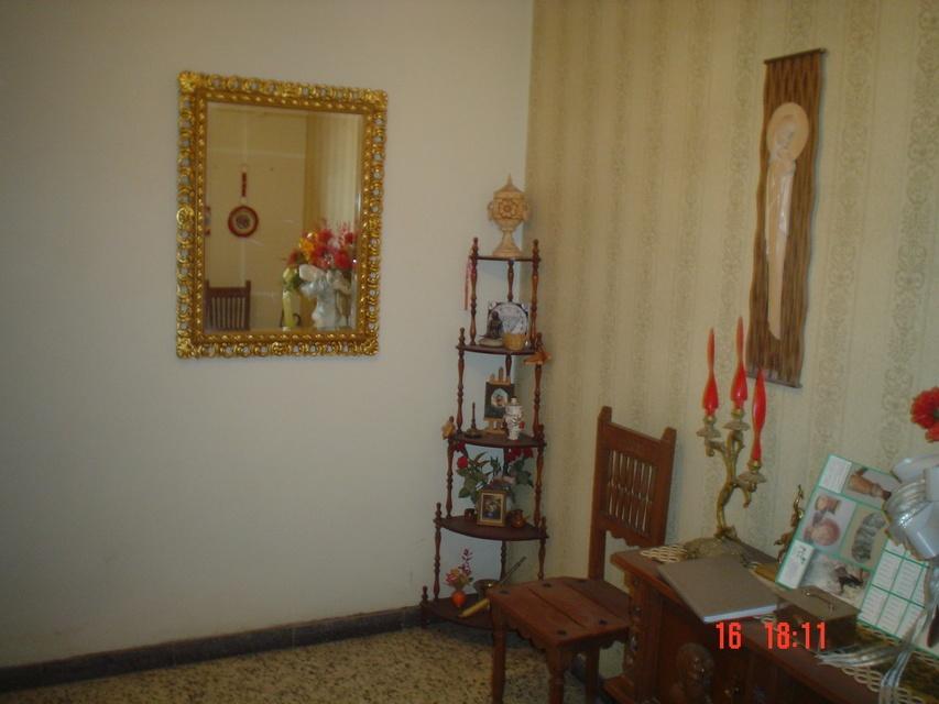 Se vende piso amplio en calle cronista remigio vicedo-habitacion