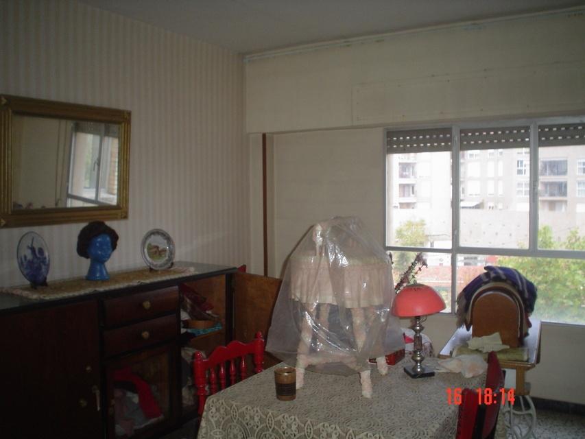 Se vende piso amplio en calle cronista remigio vicedo-salon 2