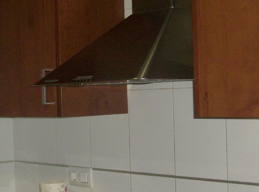 Se vende piso con 3 habitaciones dobles en Zona Alta.-cocina