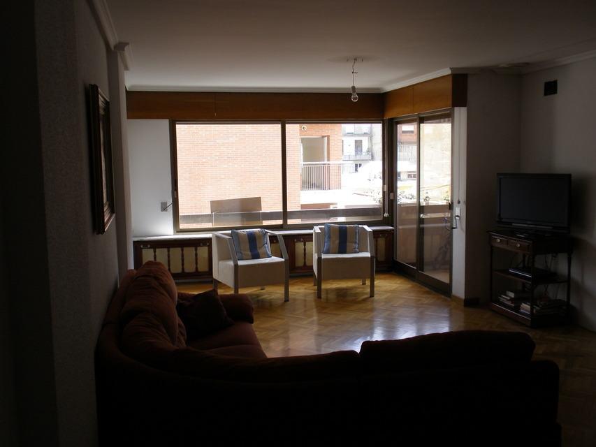 Se vende piso con 5 habitaciones en zona centro-salon 3