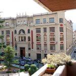 Se vende piso con 5 habitaciones en zona centro-vistas