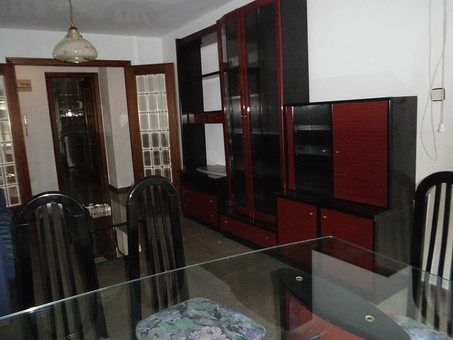 Se vende piso con balcón grande Zona Norte-comedor 2