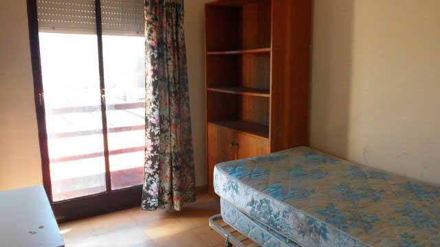 Se vende piso con balcon en zona norte-habitacion 3