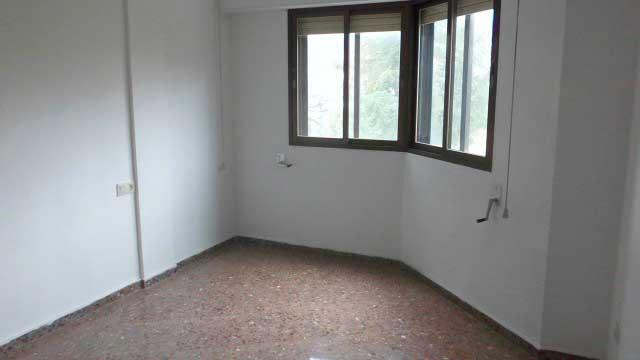 Se vende piso con buenas vistas en Zona Norte-habitacion