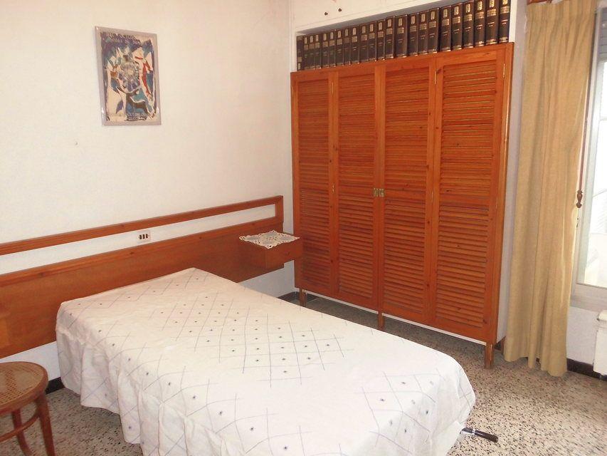 Se vende piso con buenos balcones en Zona Centro-habitacion2-4