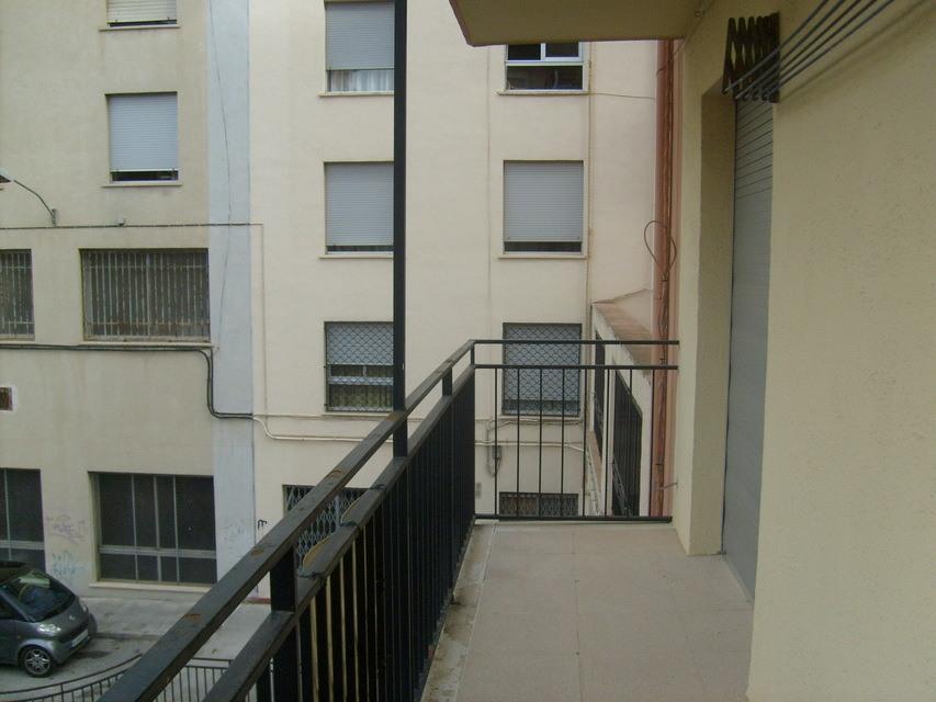 Se-vende-piso-con-plaza-de-garaje-Zona-Norte-balcon