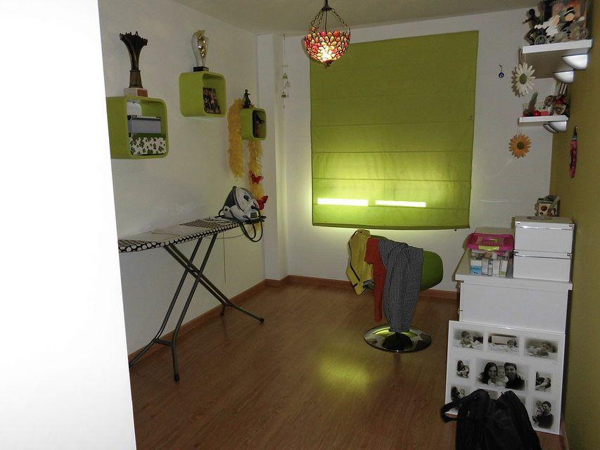 Se vende piso con plaza de garaje al lado de la Universidad-habitacion3