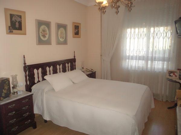 Se vende piso de 3 habitaciones todo reformado en Zona Norte-dormitorio