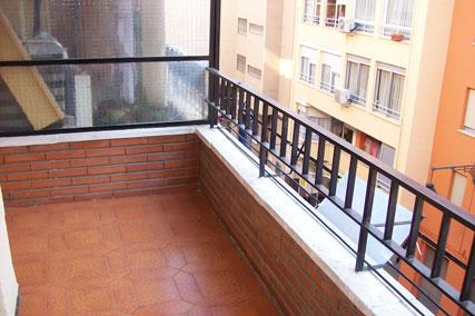 Se vende piso de 3 habitaciones y trastero en Zona Norte-balcon