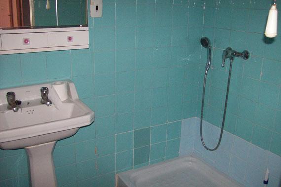 Se vende piso de 3 habitaciones y trastero en Zona Norte-banyo