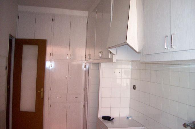 Se vende piso de 3 habitaciones y trastero en Zona Norte-cocina