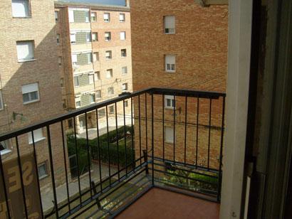 Se vende piso de 4 habitaciones en Zona Norte-balcon