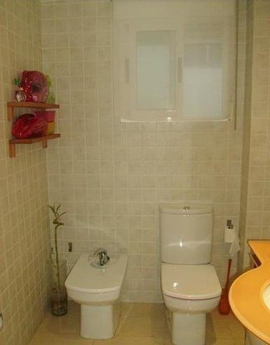 Se vende piso luminoso en La Alameda-banyo 2