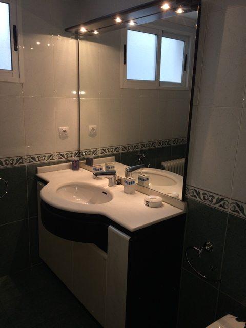 Se vende piso muy bonito en la Zona Alta-bano3