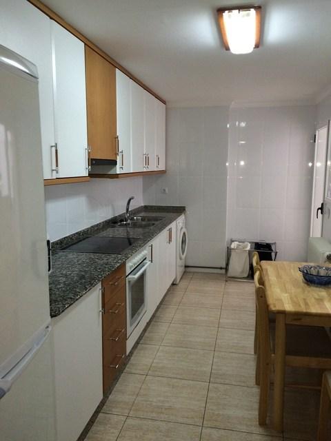 Se vende piso muy bonito en la Zona Alta-cocina-1