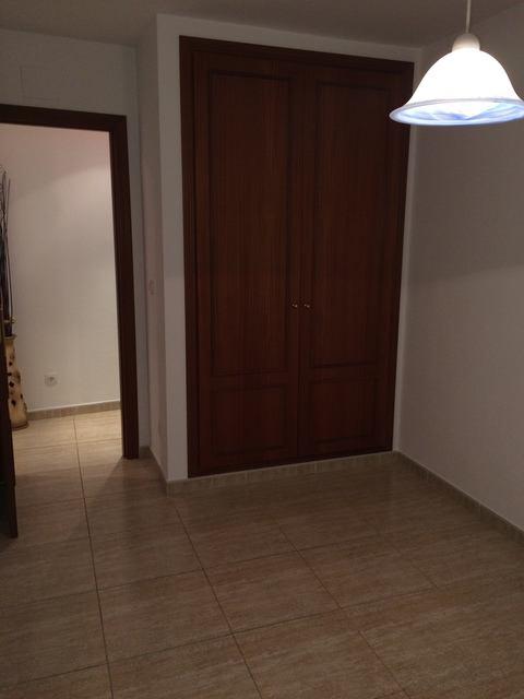 Se vende piso muy bonito en la Zona Alta-habitacion2-1