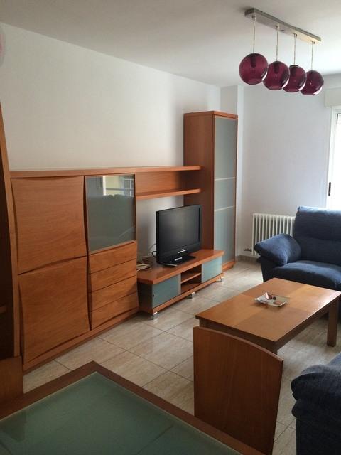 Se vende piso muy bonito en la Zona Alta-salon-1