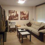 Se vende piso muy soleado y bonito en la Zona Alta-salon