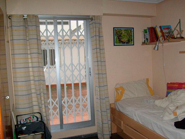 hogar con una gran terraza exterior en ensanche - habitacion 2