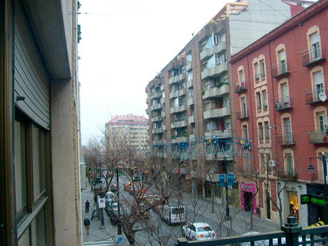 hogar con una gran terraza exterior en ensanche - vistas 2