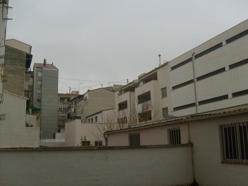 hogar con una gran terraza exterior en ensanche - vistas