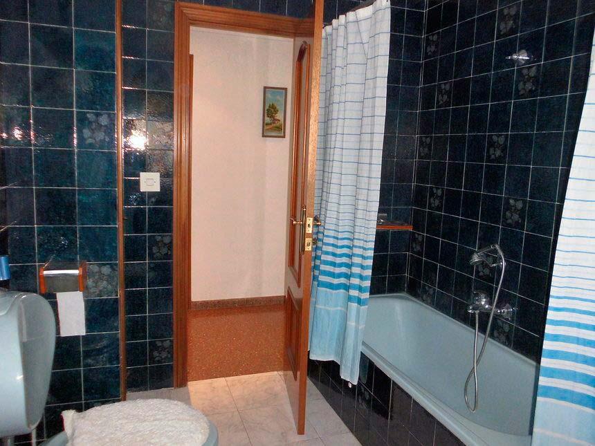 Vivienda con plaza de garaje en Ensanche-baño2