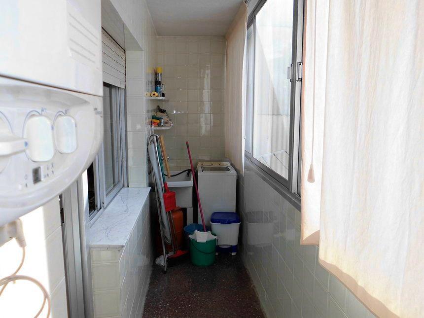 Vivienda con plaza de garaje en Ensanche-trastero