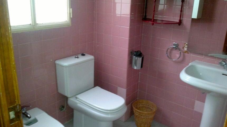 Vivienda bien ubicada en Ensanche-baño