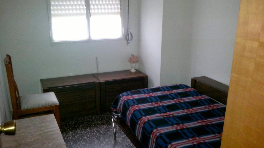 Vivienda bien ubicada en Ensanche-dormitorio