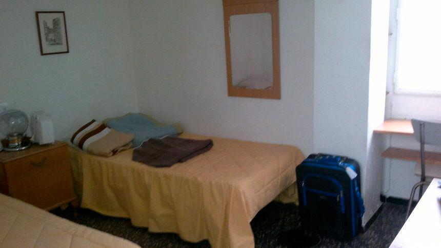 Vivienda bien ubicada en Ensanche-habitacion2