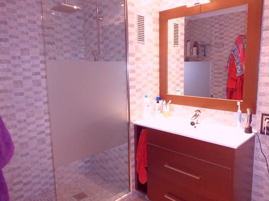 Vivienda con grandes ventajas en Ensanche-baño