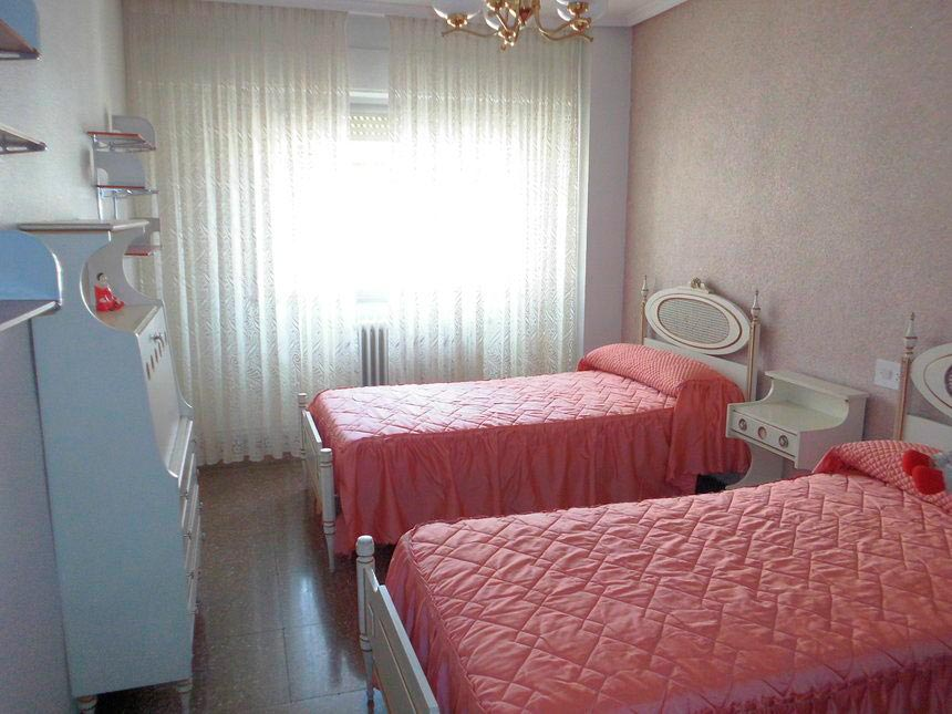 Vivienda con plaza de garaje en Ensanche-dormitorio