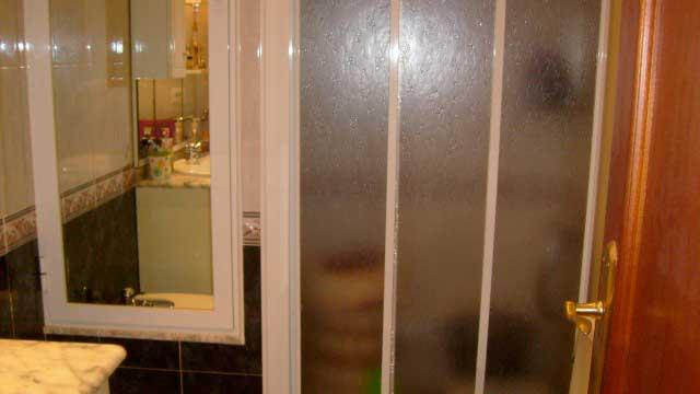 Se vende piso de 70 m² en Zona Norte-ducha