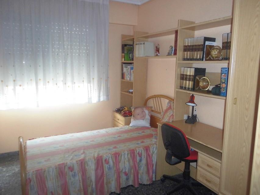Vivienda muy espaciosa en Ensanche-cuarto3