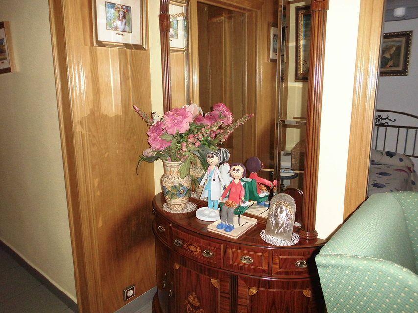 Pequeño y confortable piso en la zona Santa Rosa - Recibidor