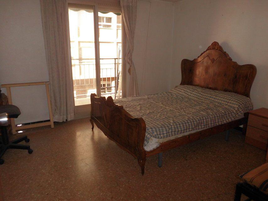 Espacioso piso en zona Romeral - Habitacion