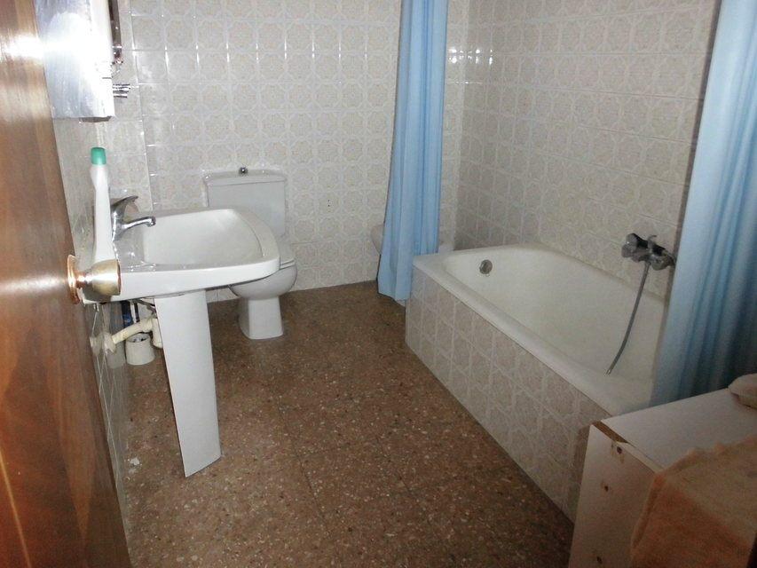Espacioso piso en zona Romeral - baño