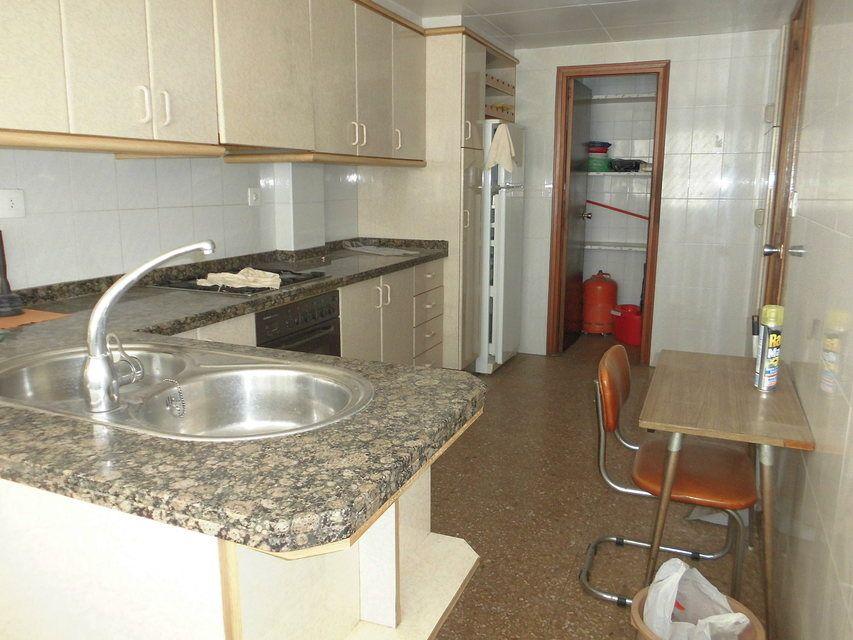 Espacioso piso en zona Romeral - cocina 2