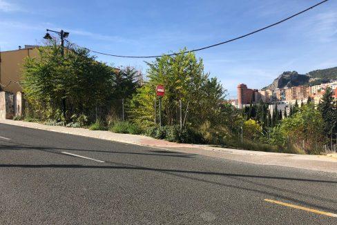 Amplia parcela en la zona Beniata-carretera