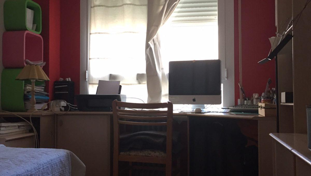 Estupendo y luminoso atico en Oliver-dormitorio-4