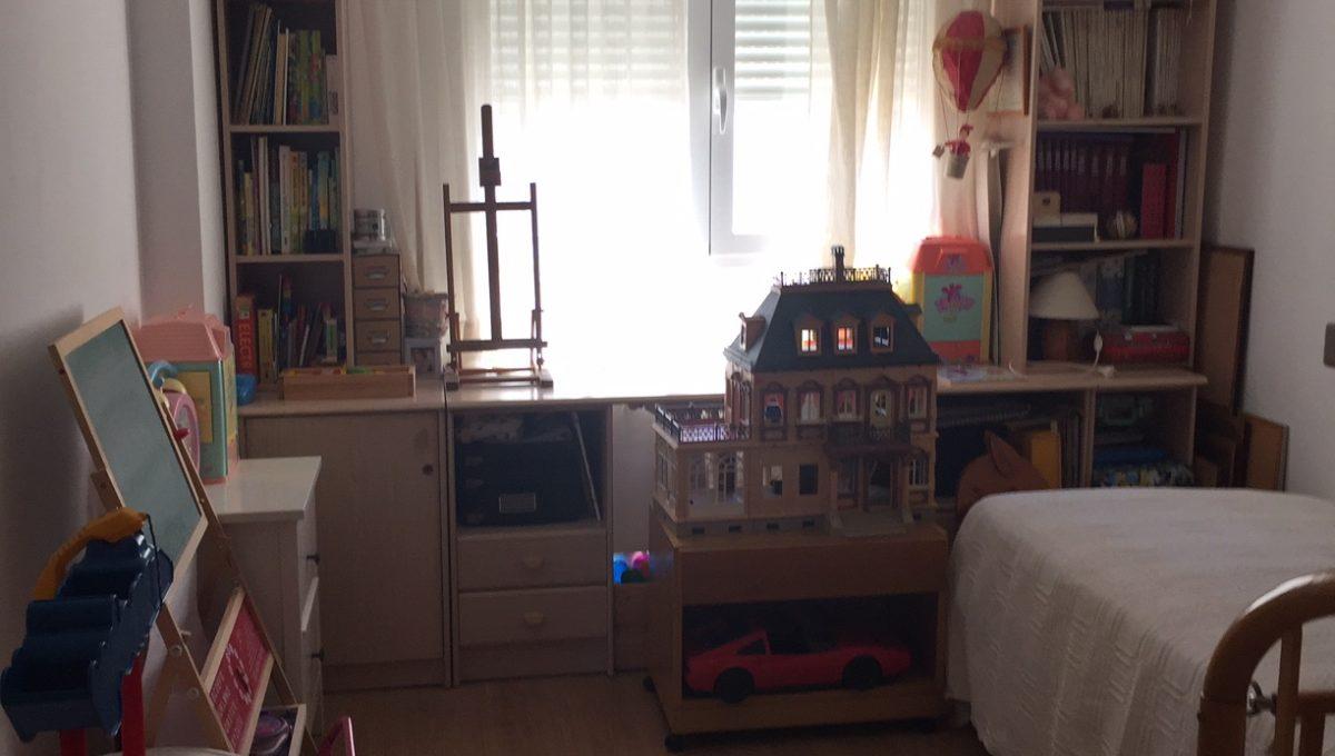 Estupendo y luminoso atico en Oliver-dormitorio2