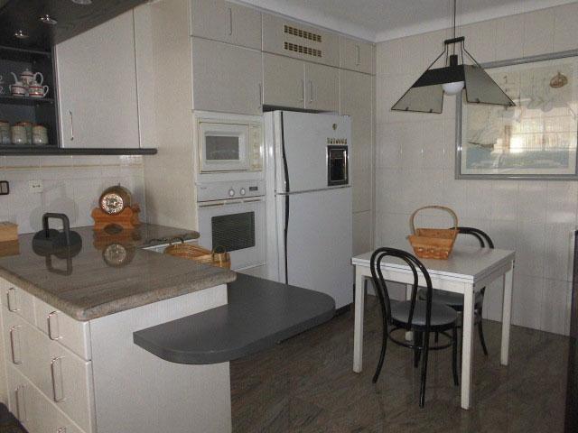 n venta gran piso en Ensanche cocina completa