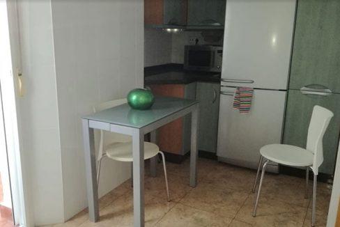 Piso con vestidor en venta en ensanche -cocina 2