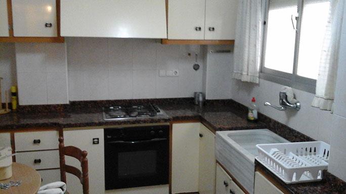 gran piso semi reformado en ensanche cocina