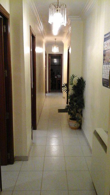 gran piso semi reformado en ensanche pasillo