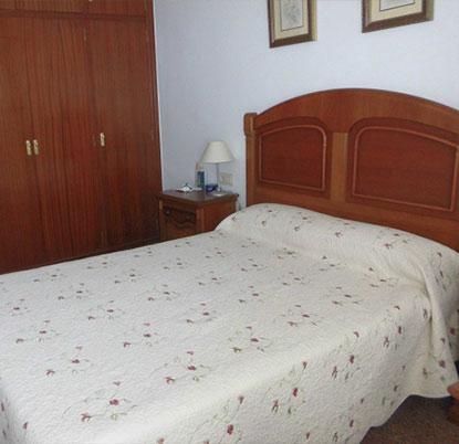 Piso amplio y en perfecto estado zona ensanche - dormitorio-1