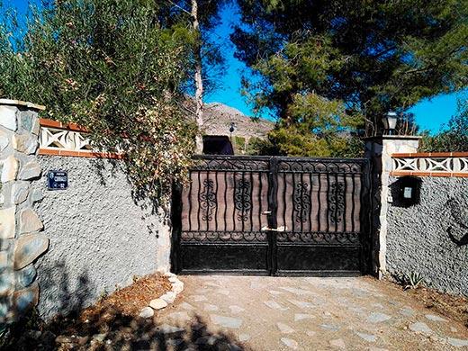 Hermosas Vistas en casa de Campo en Gaianes-entrada