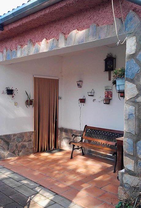 Hermosas Vistas en casa de Campo en Gaianes-porche